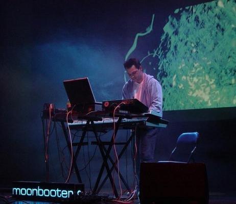 Moonbooter